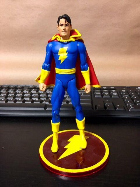 DC Direct Shazam   Captain Marvel LOOSE JC