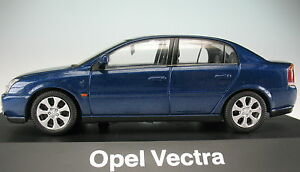 SCHUCO-OPEL-Vectra-blau-metallic-1-43-NEU-in-OVP-Modellauto
