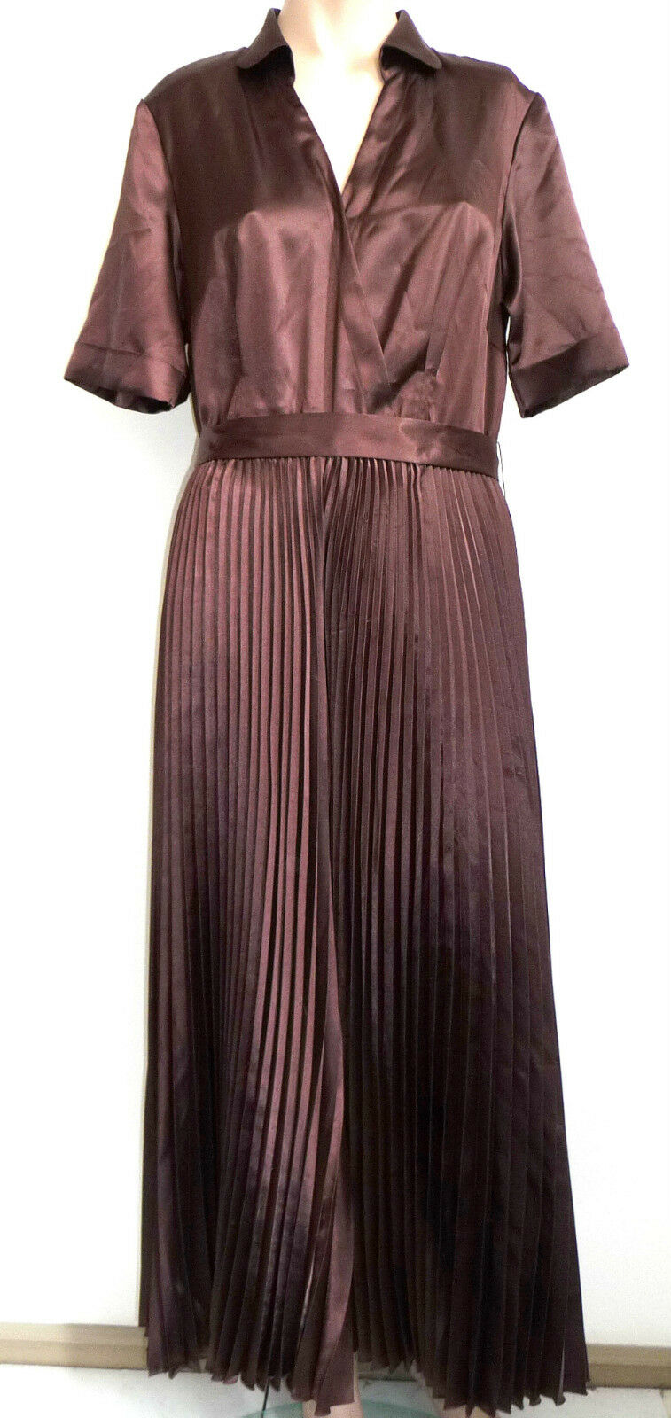 NEU Madeleine Gr. 42 Langes Kleid braun Plissee Plisseekleid Lange Kleid