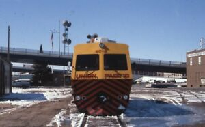 UPRR-UNION-PACIFIC-Railroad-Locomotive-Original-1985-Photo-Slide