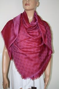 48fc8cb0be0b9 GUCCI Schal Tuch mit GG Muster 140x140 cm Wolle Seide pink-bordeaux ...