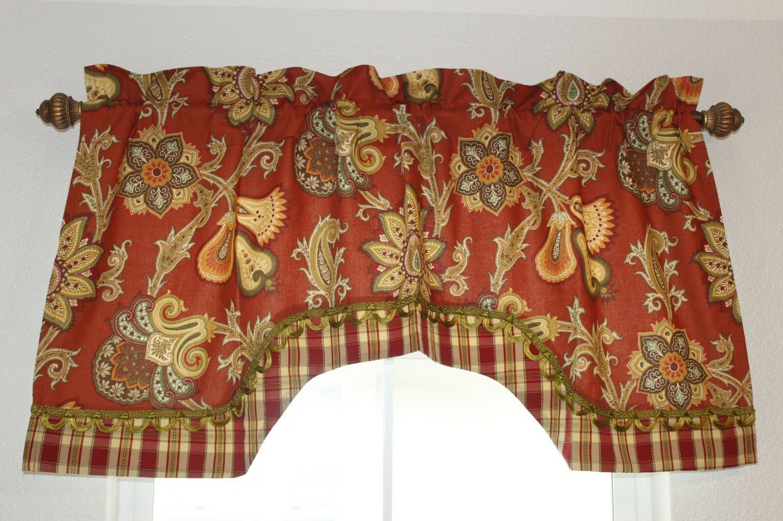 Valances scalloped rot floral lined with trim 50    134c32