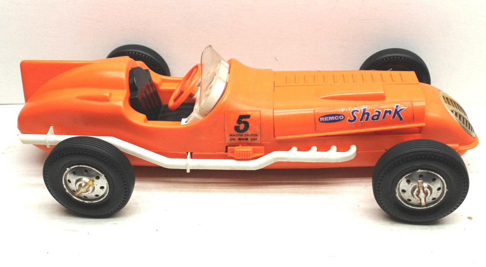 Vintage Remco USA Newark NJ Land Shark Tether Racer Offy Indy modificado de plástico