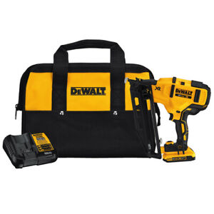 DEWALT 20V MAX XR Li-Ion 16G 2.5 in. Finish Nailer DCN660D1R Recon