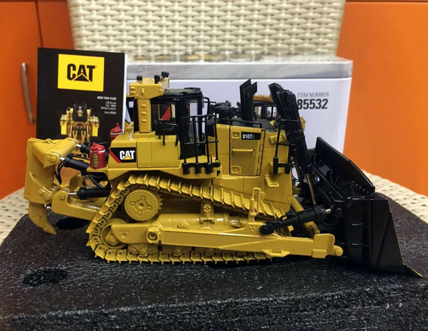 Caterpillar CAT D10T2 Pista Tipo Tractor Escala 1 50 Diecast de maestros DM85532