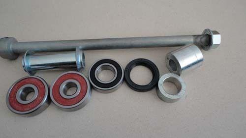 Honda rear axle bearings spacers C100 C102 C105 C110 H2691