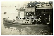 rp01251 - Launch from HMS Barham at Cowes , Isle of Wight - photograph