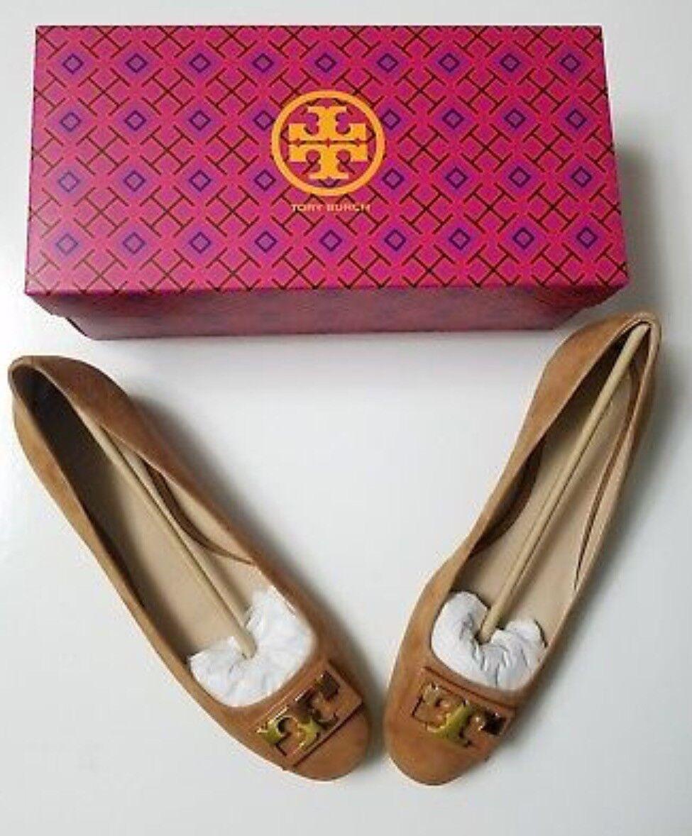 Neuf dans sa boîte, Tory Burch Gigi Pompe Royal Tan Suede or chaussures LOGO Bloc Moyen Talon Sz 10
