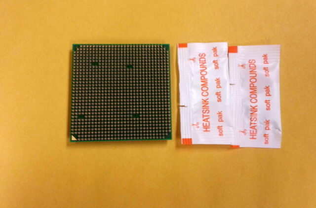 AMD PHENOM X3 8550 TRIPLE CORE 2.2GHZ SOCKET AM2+ HD8550WCJ3BGH CPU @@@