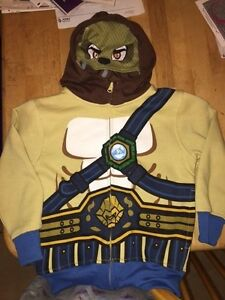 New-without-tags-Chima-Lego-Boys-Size-4-Zip-Up-Jacket-with-Hoodie-Lennox-Lion