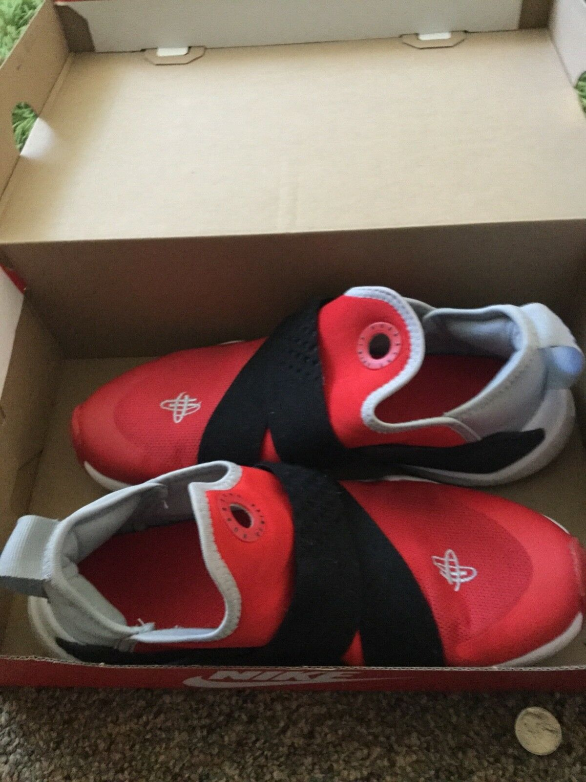 Red Huaraches by Nike men size 6 with box