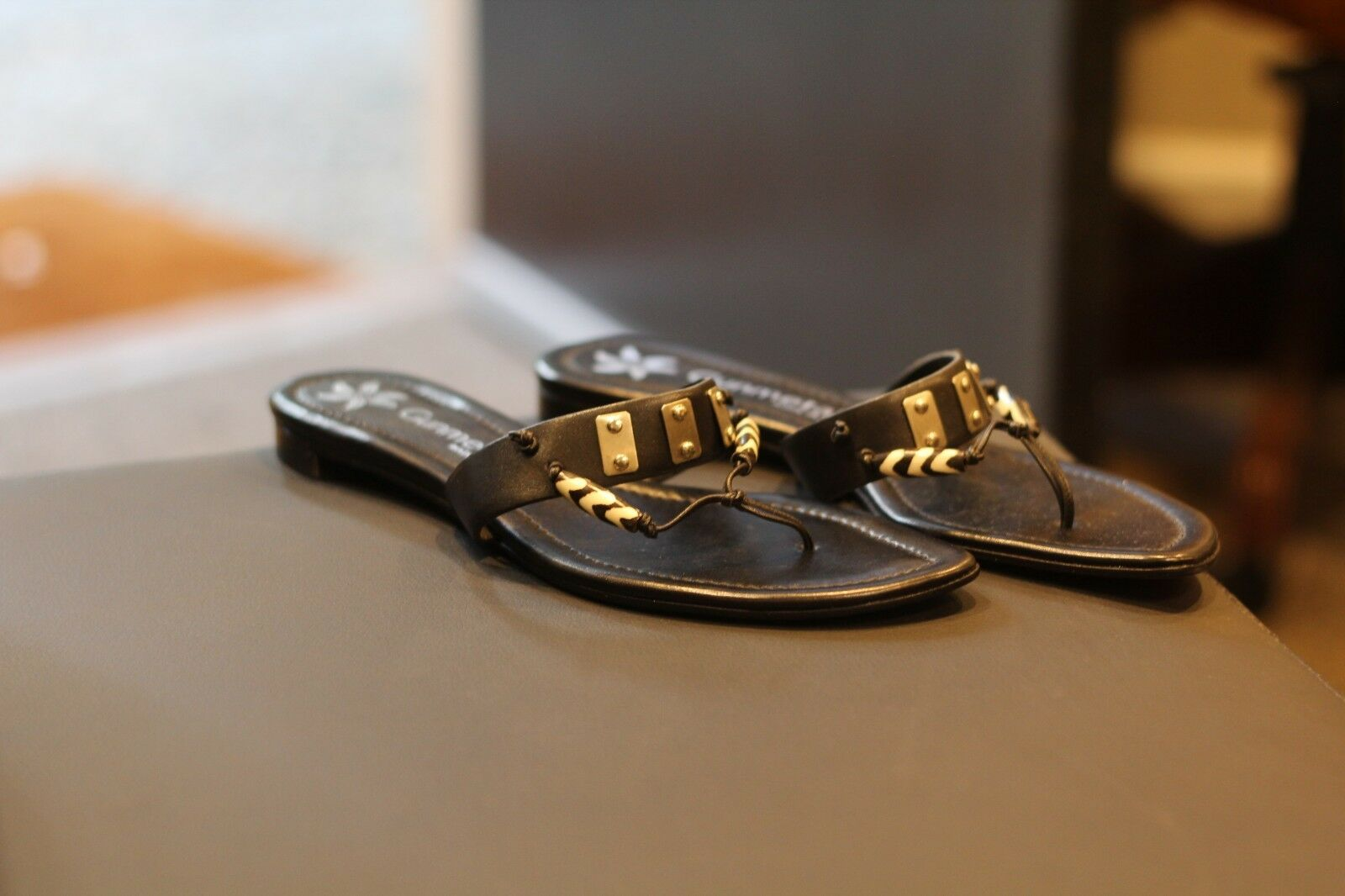 Gunmetal Black Leather Sandals Flip Flops Rare Discontinued Made in  Sz 8.5