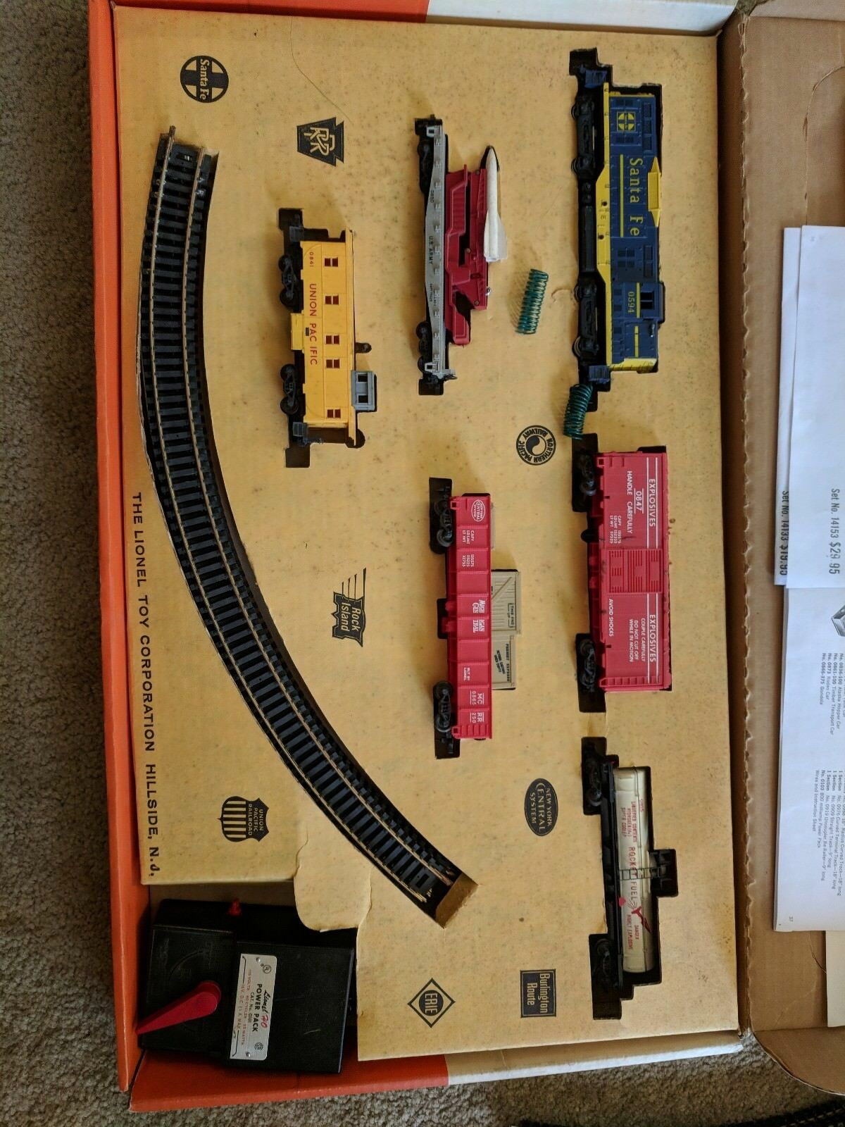 VINTAGE LIONEL HO SCALE NO. 14143 DIESEL TYPE FRIEGHT WITH HEADLIGHT COMPLETE...