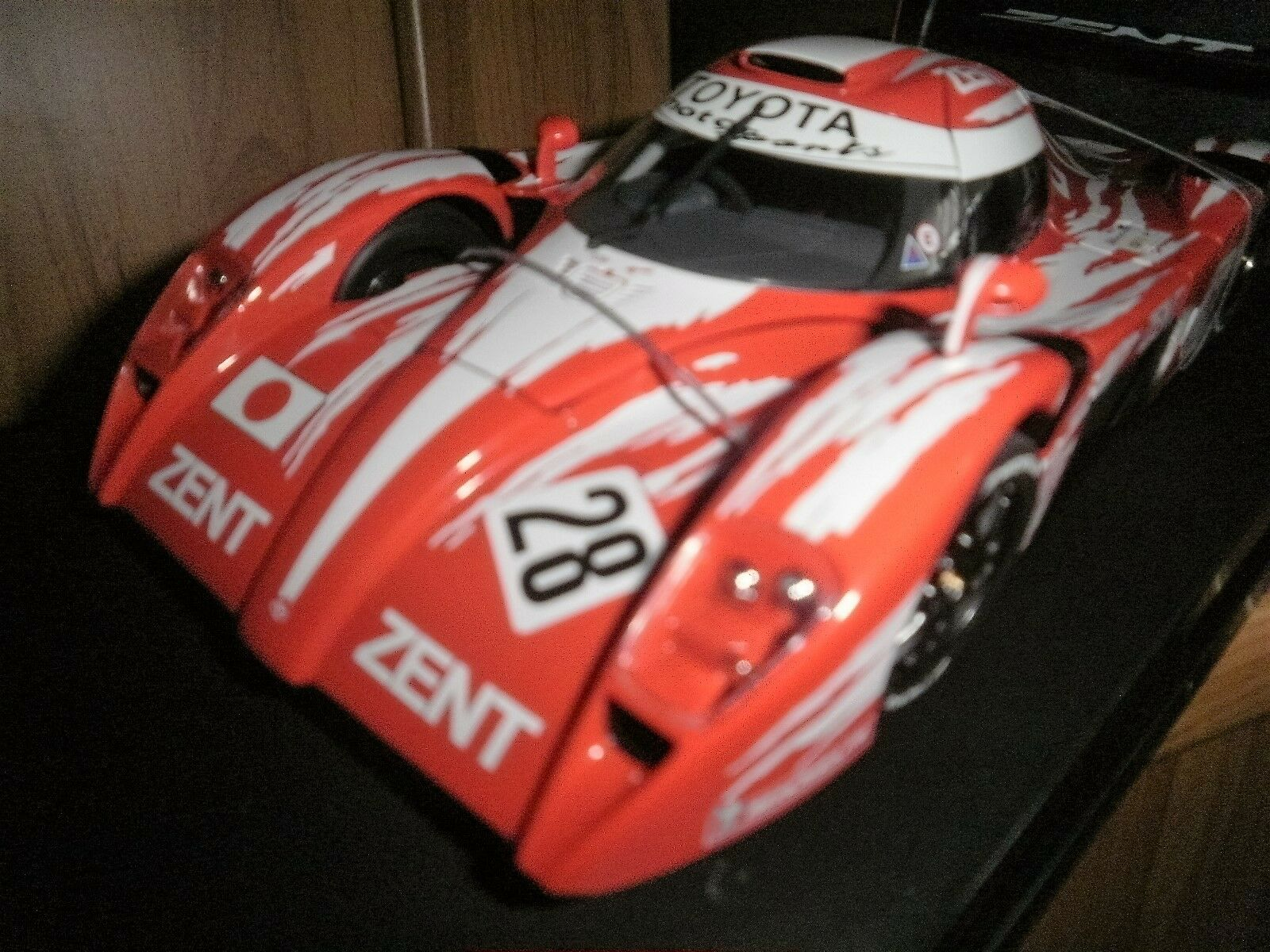 Carart 1 18 Scale diecast - 89986 Toyota GT One TS020 LeMans 24H 1998  28