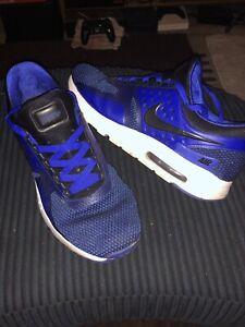 Détails sur Rare paire de Homme Bleu Nike Air Max Zero BasketsChaussures Taille 10 afficher le titre d'origine