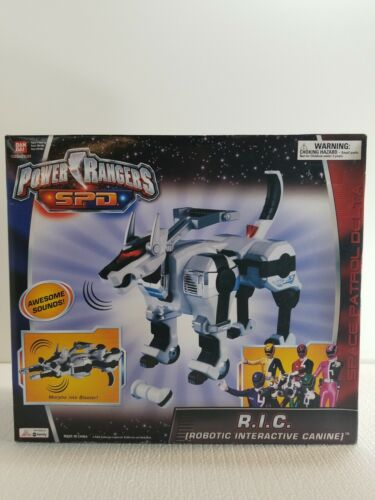 Power Rangers SPD R.I.C Robotic Interactive Canine Weapon 2005 White Version