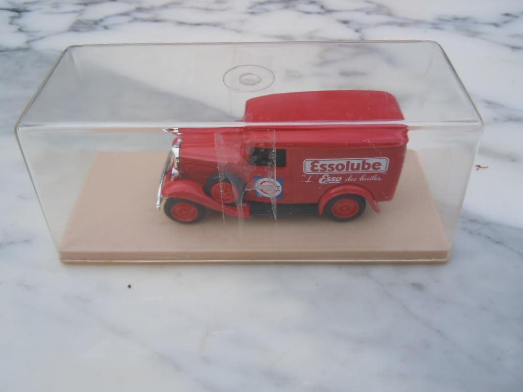 Camion Citroen Citroen Citroen PUB ESSOLUBE Marque ELIGOR made in France bf4e8f
