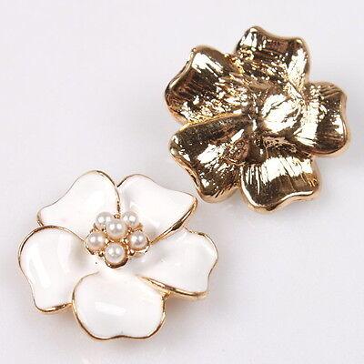 15x Pretty Enamel White Flower Charms Plated Golden Alloy Embellishments DIY C