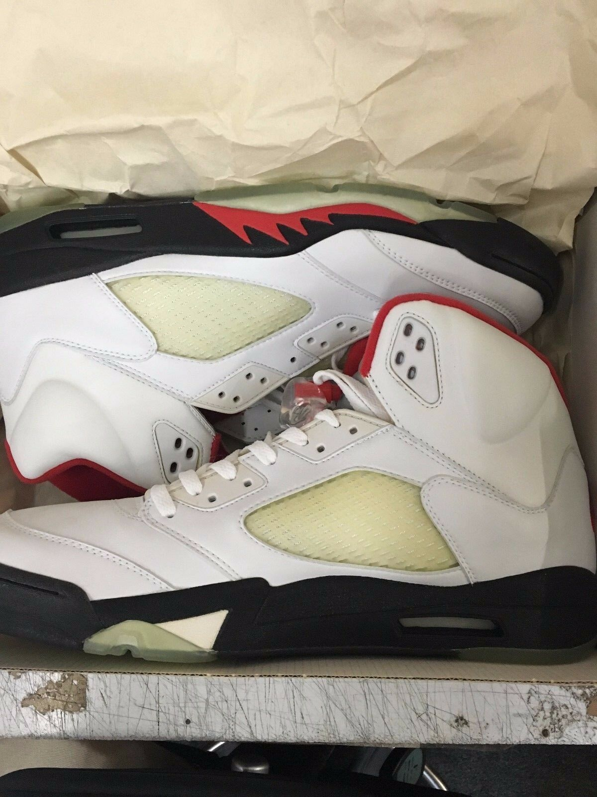 JORDAN 5 RETRO WHITE/BLACK-FIRE RED Price reduction Special limited time