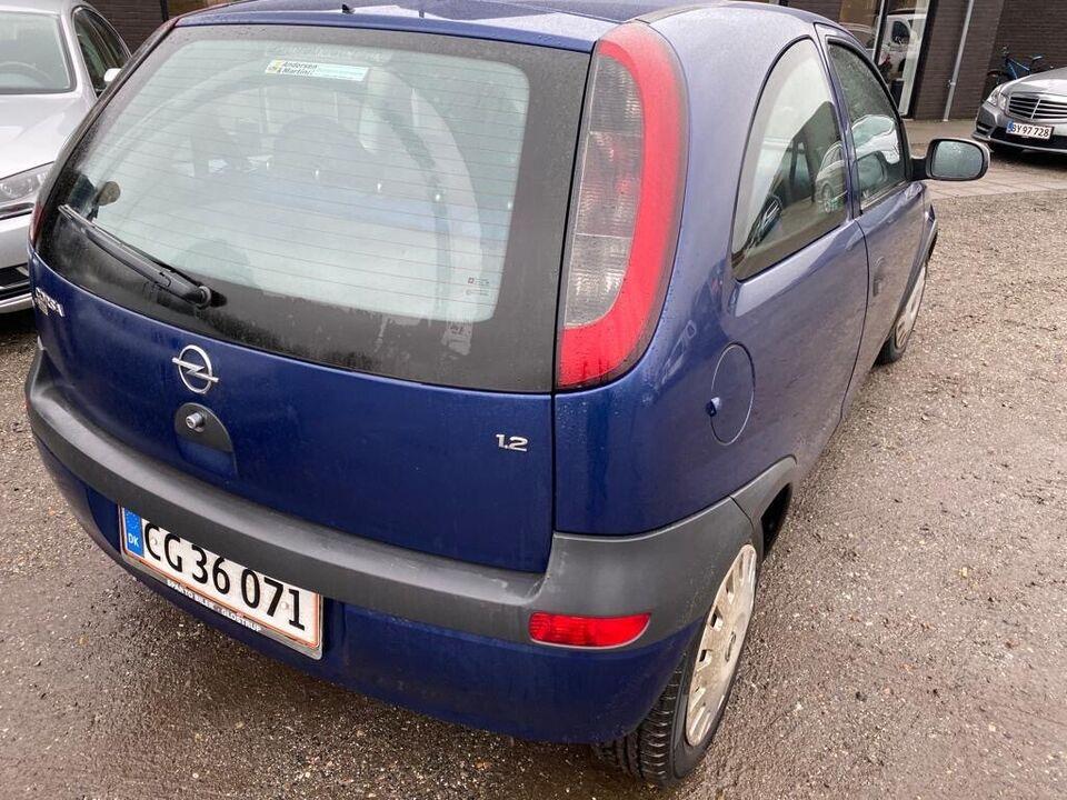 Opel Corsa 1,4 16V Comfort Benzin modelår 2003 km 168000 ABS