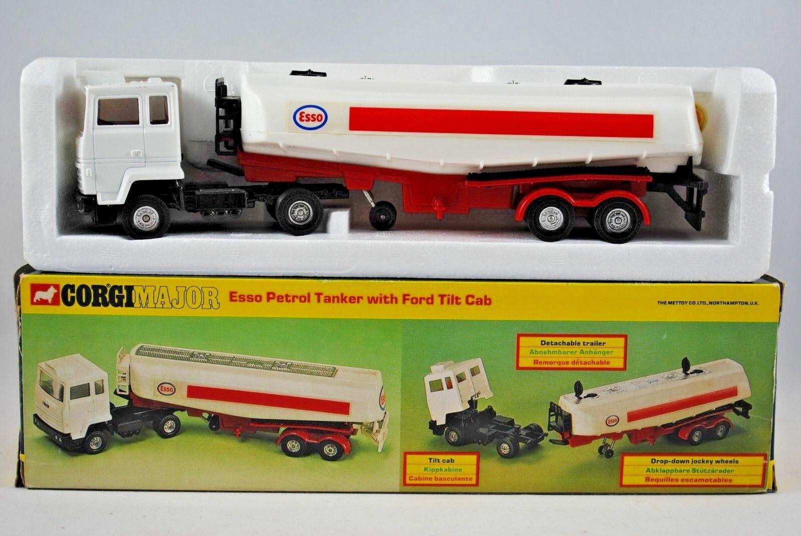 Old CORGI Major 1157 FORD Truck w  TILT CAB & ESSO Petrol ROAD TANKER Made in UK