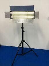 Occ. : Projecteur pour prise de vue neon 2x55W OSRAM DULUX L + pieds WALIMEX 806
