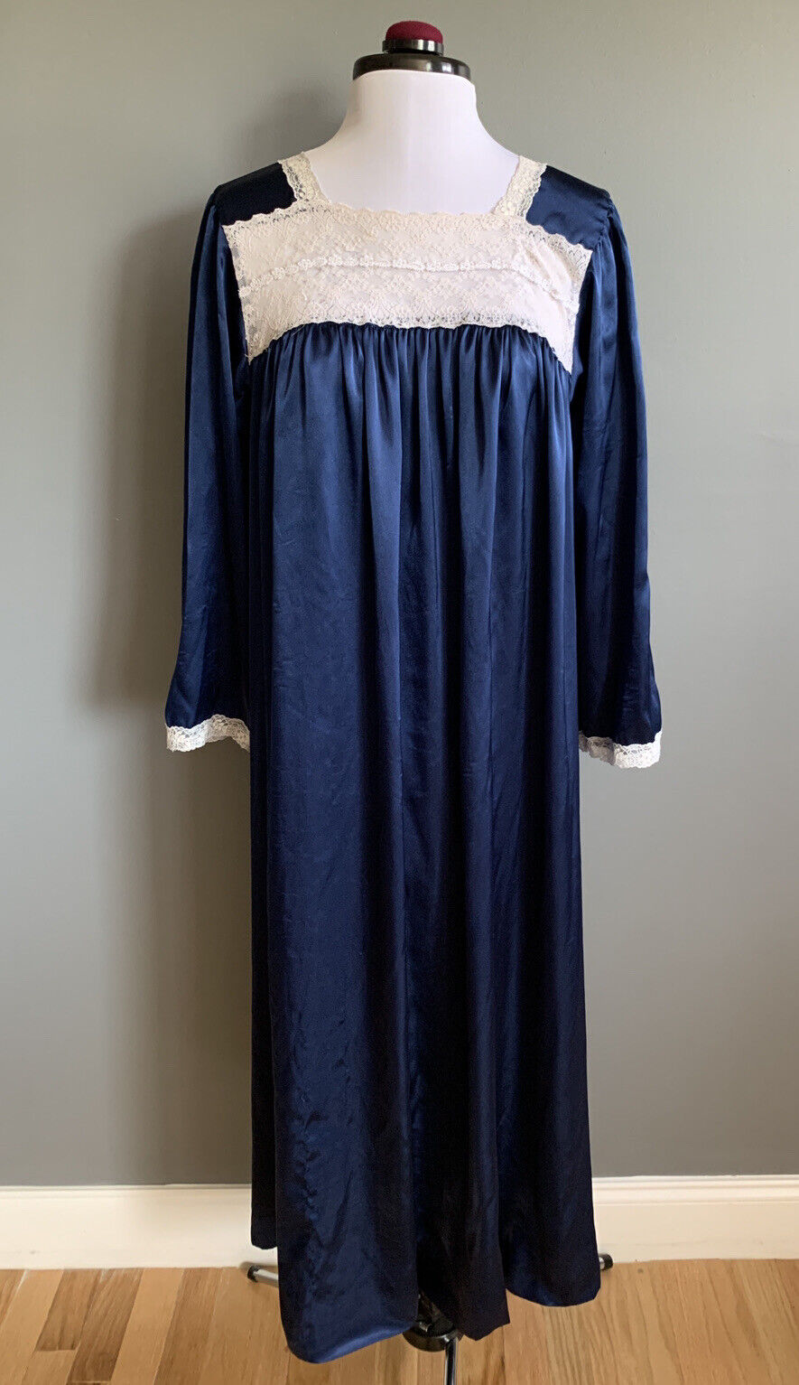 VINTAGE Christian DIOR Navy Nightgown Long Sleepwear lace Satin Lingerie Sleeve