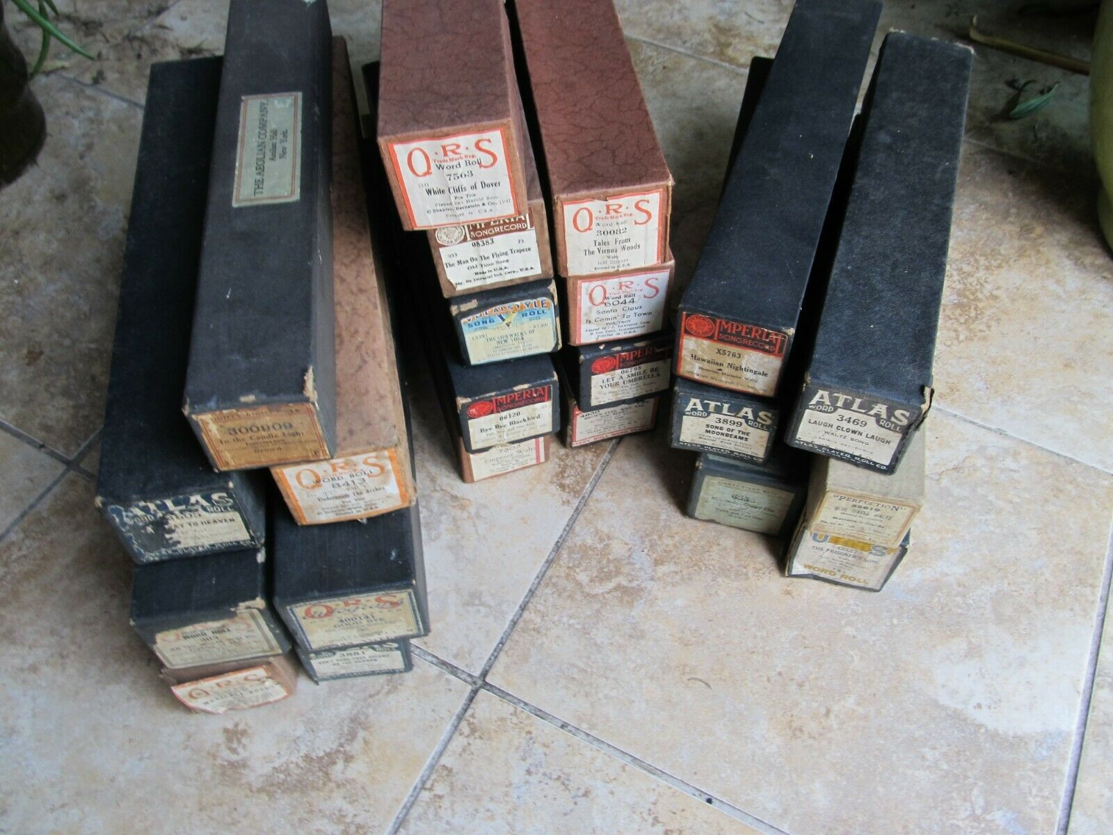Large Lot of 22 Antique Player Piano Rolls, Nice Classic Songs & Playable