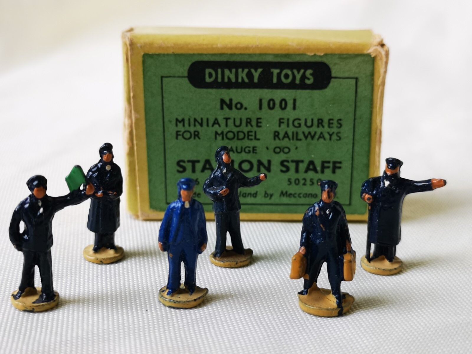 DINKY TOYS Nº 1001 station personnel Bahnhof personnelle Boxed