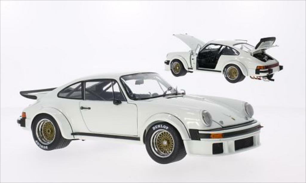 Exoto - 1976 Porsche 934 RSR (Authentic Porsche White) 1 18 - BNIB