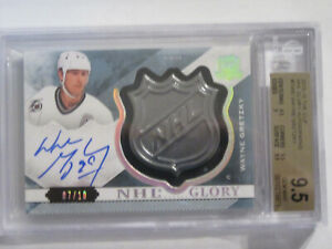2015-16-Wayne-Gretzky-The-Cup-NHL-Glory-Shield-autograph-7-10-BGS-9-5-auto-10