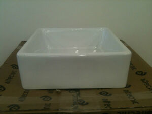 Small-Baby-Belfast-Butler-Sink-White-Ceramic-Brand-New-Free-Uk-Delivery-T1