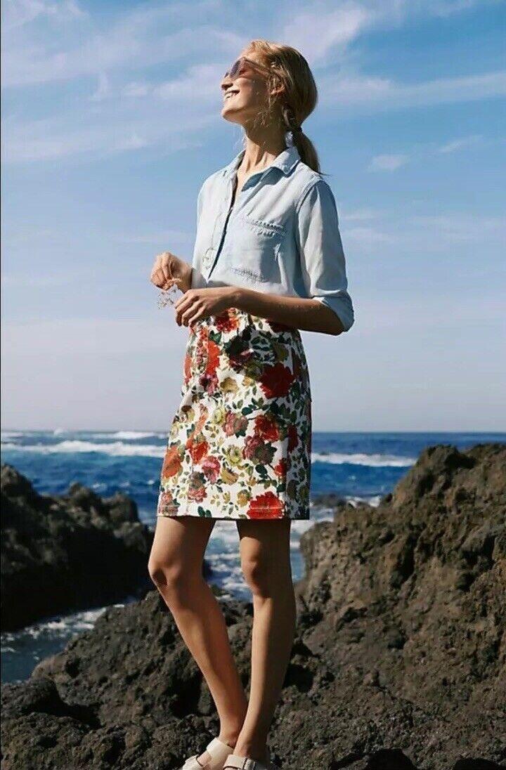 NEW Anthropologie Maeve Denim Floral Skirt Size 10