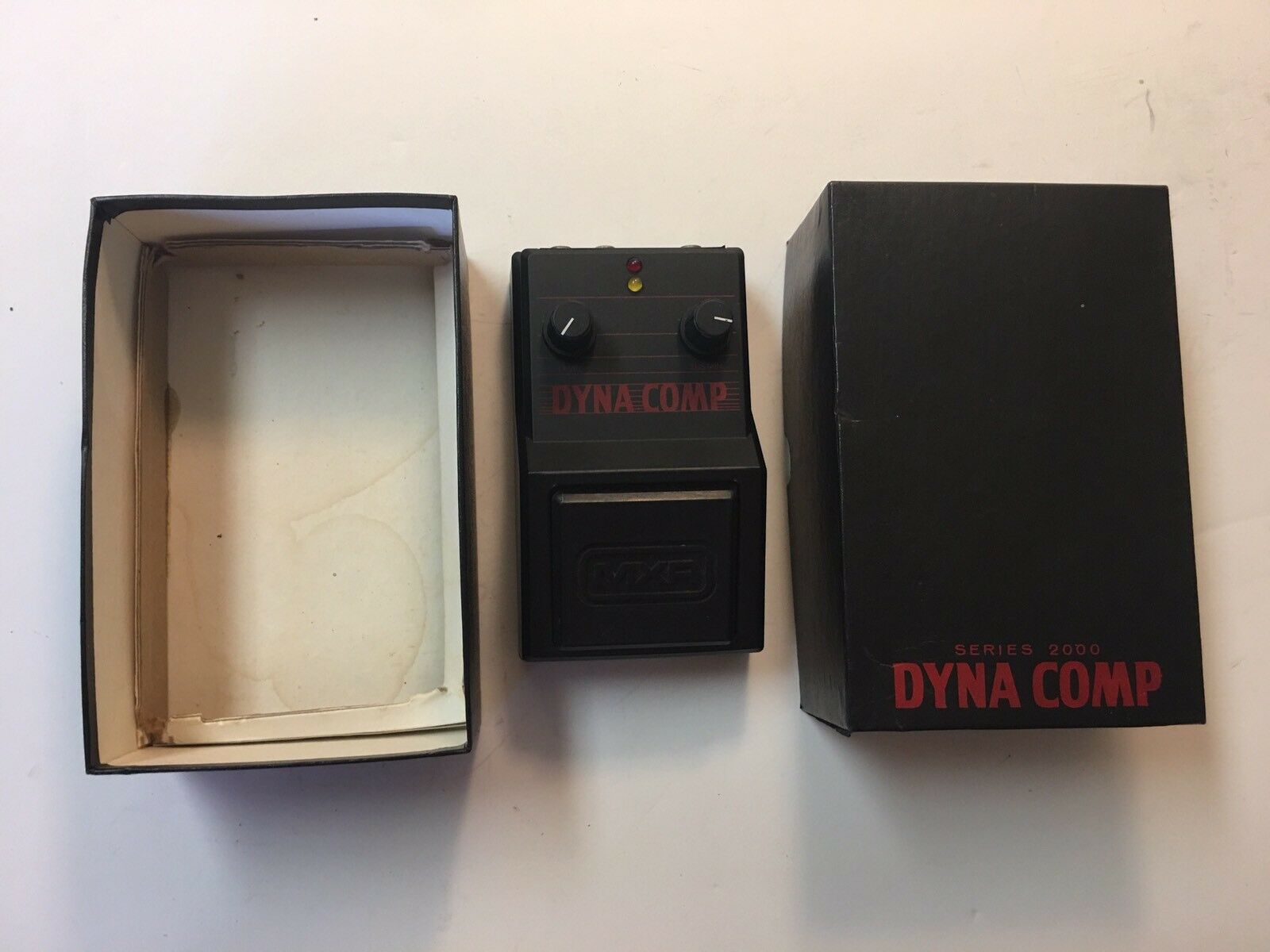 MXR M-202 Dyna Comp 2000 Series Compressor Rare Vintage Guitar Effect Pedal