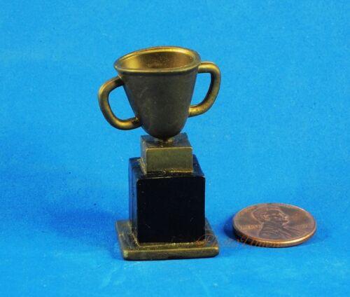 WWE WWF Wrestling Jakks Action Figure Accessory Weapon Trophy K880/_K