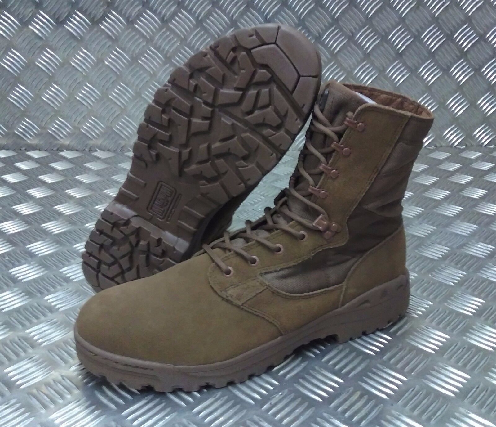 Genuine British Desert Army BROWN Magnum Scorpion Desert British Patrol Assault Boots - NEW 74c74d