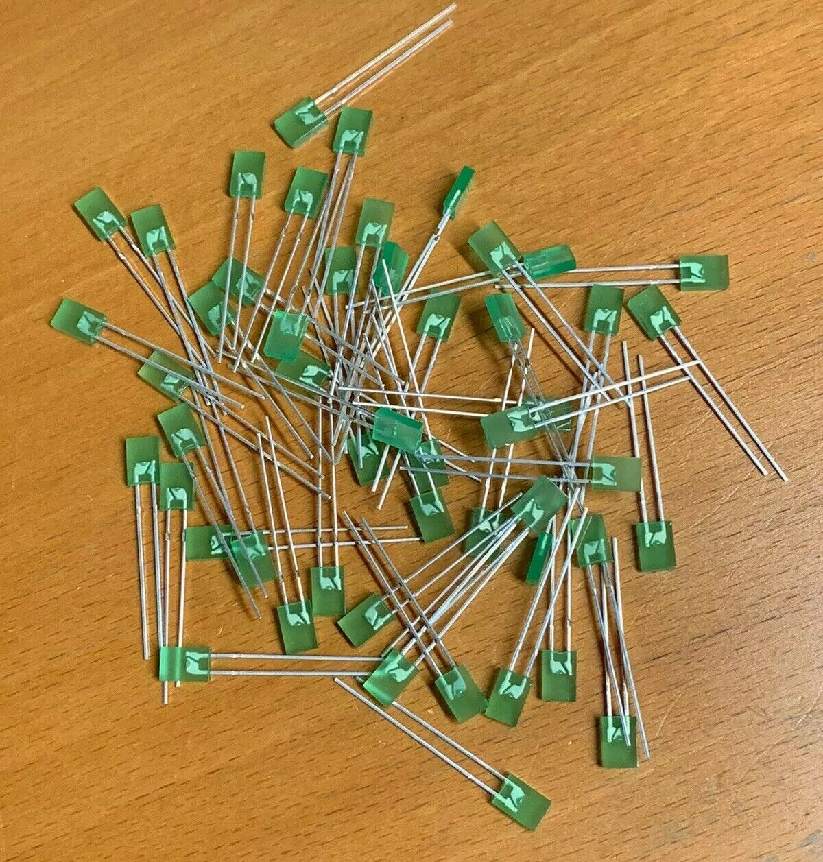 3MM 4-Pin MCDL-357EGEGW//H3032 Lot of 20 MCD Electronics Dual Mounted Green LEDs