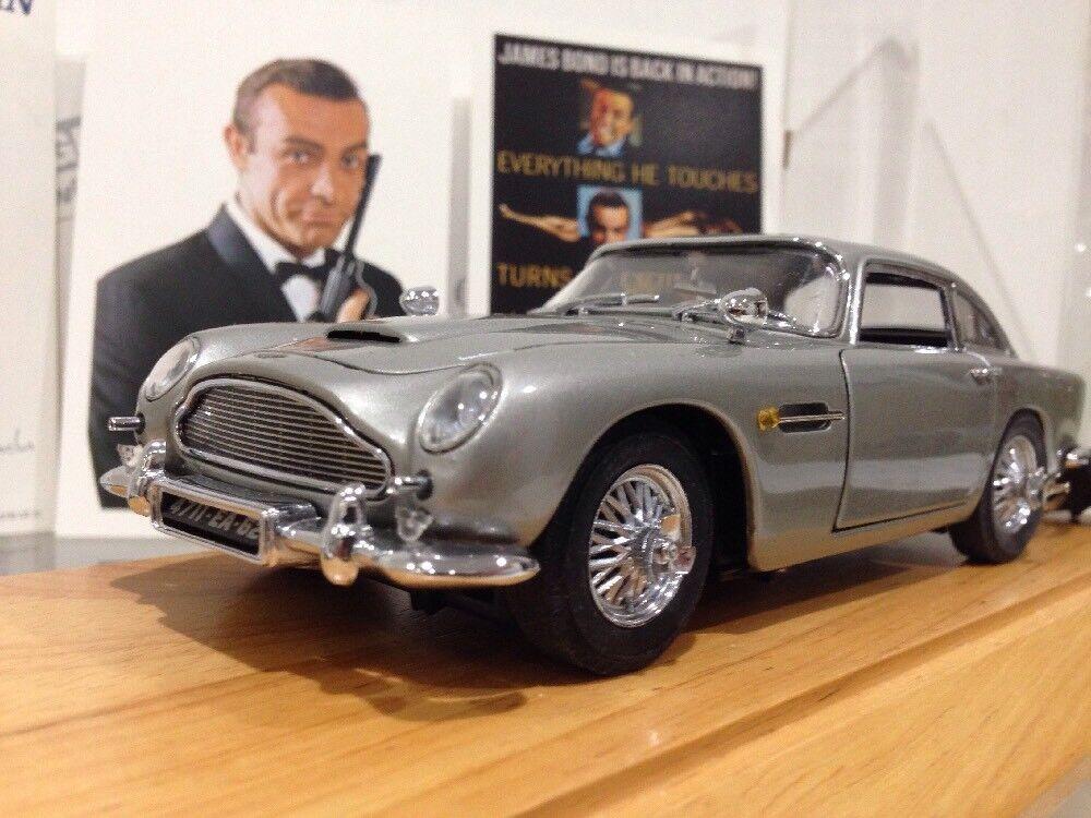 Web oficial Danbury Mint James Bond Aston Aston Aston Martin DB5 orofinger Coche de espía 1 24 + Vitrina  nuevo sádico