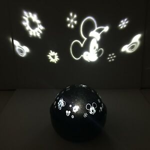 Disney Mickey Mouse Gemmy LED Christmas Indoor Projector Night Light Lighted