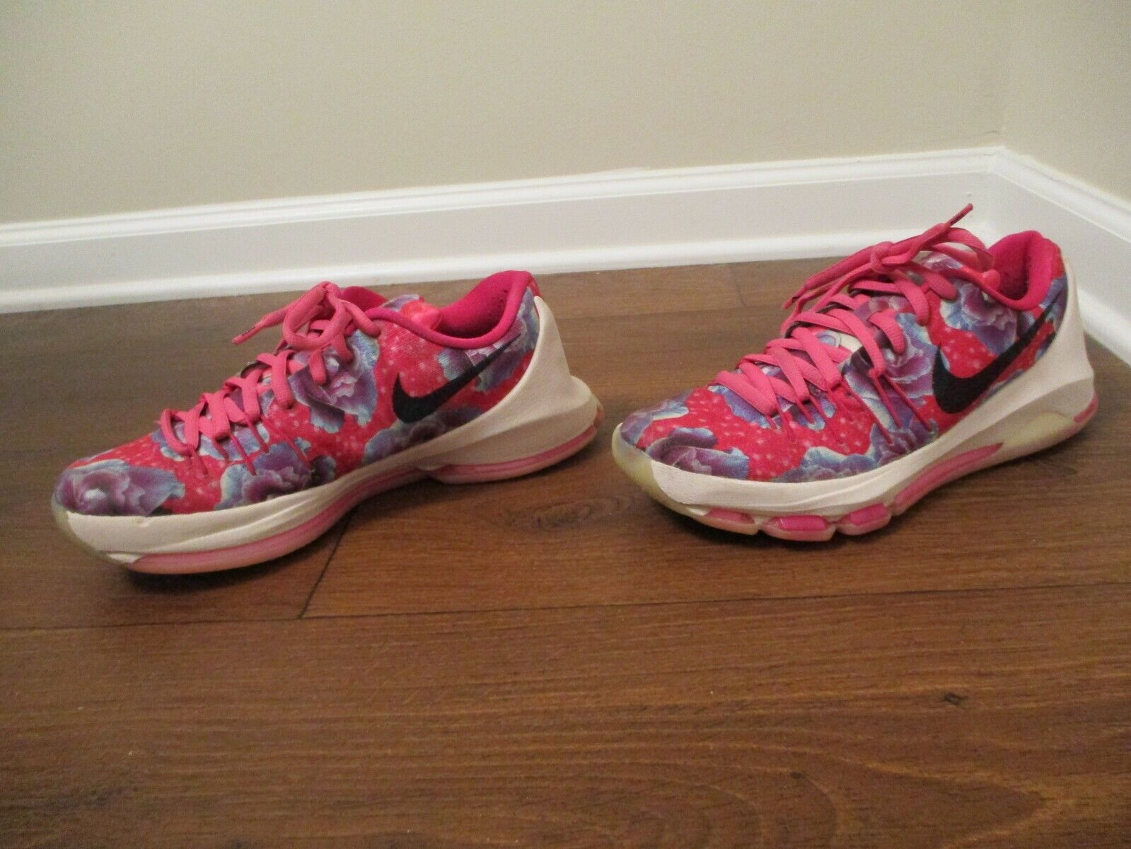 Used Worn Size 9 Nike KD 8 Prm Aunt Pearl shoes Vivid Pink, Black, bluee, White