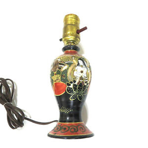 Vintage-Japanese-Porcelain-Lamp-Hand-Painted-Turn-of-the-Century
