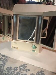 Vintage Remington True To Light Make Up Mirror 2 Doors
