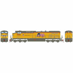 Athearn-HO-AC4400CW-UP-Flag-Repaint-7005