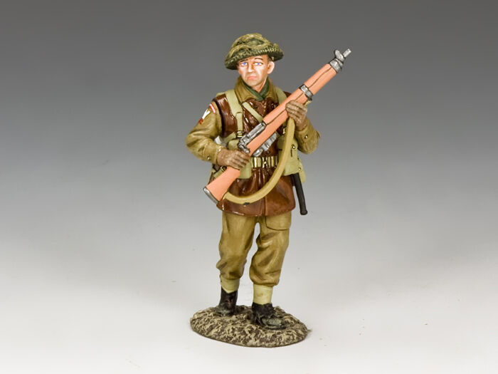 BBB004 Advancing Infantryman by King and Country