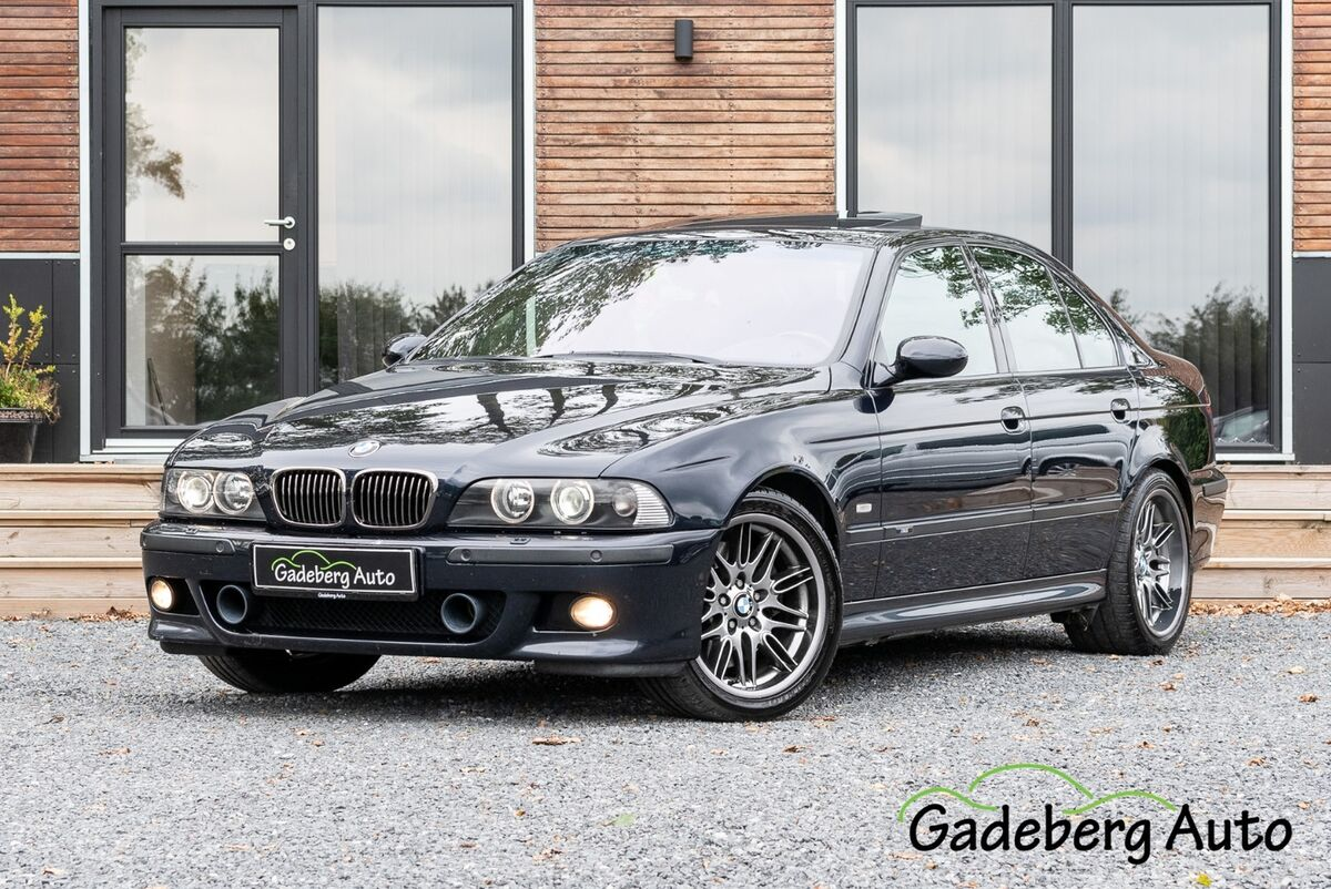 bmw m5 5 0 benzin model r 2000 km k b og salg. Black Bedroom Furniture Sets. Home Design Ideas