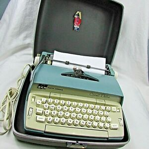 Smith Corona Cyan-Blue Coronet Electric Vintage Typewriter + Case WORKS