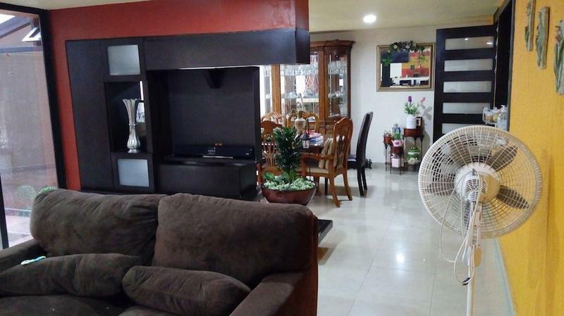 BOSQUE DE ECHEGARAY, REMODELADA, 4 RECAMARAS, 3.5 BAÑOS, 4 AUTOS