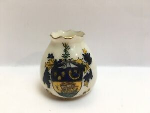 Vintage-Crested-China-New-Brighton-Duchess-China