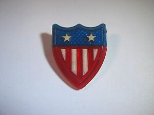 Vintage USA American Patriotic Pin Button: Plastic Shield Design