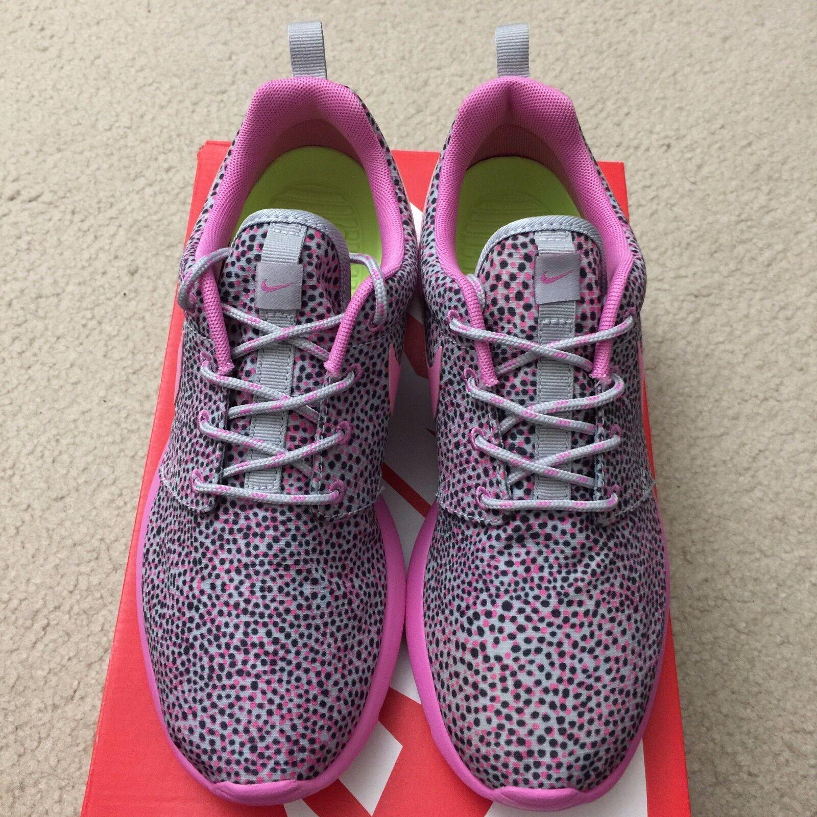 Nike Roshe Run Polka Dot Print